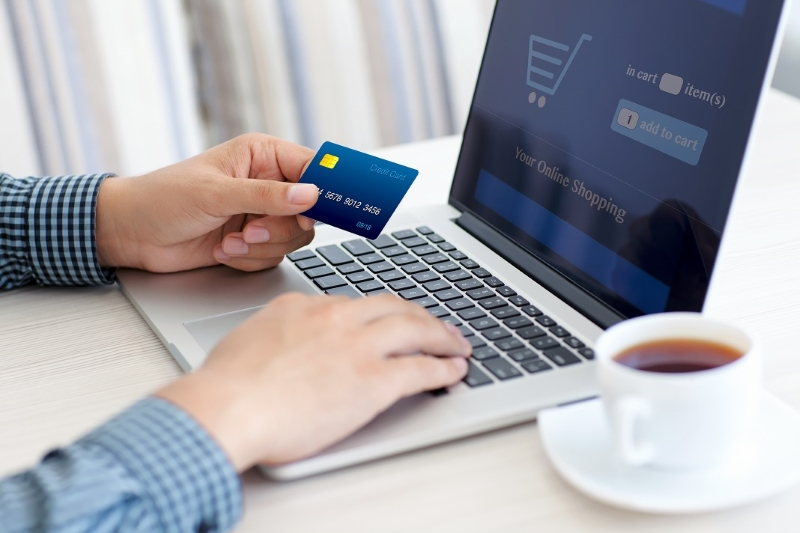 De ce preferam sa cumparam de la magazine online?